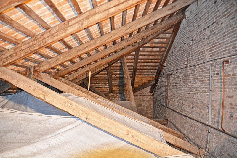 restauro travi duomo castelfranco
